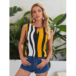 All Over Print Scallop Trim Keyhole Neck Top
